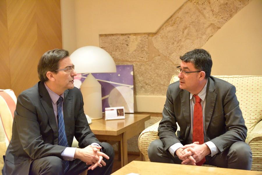 Np 2015-11-13 El President de les Corts se reúne con la Confederació de Cooperatives de la Conunitat Valenciana (Foto 1)