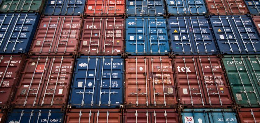 Las exportaciones agroalimentarias valencianas entre enero y abril alcanzaron los 2.186,5 millones de euros
