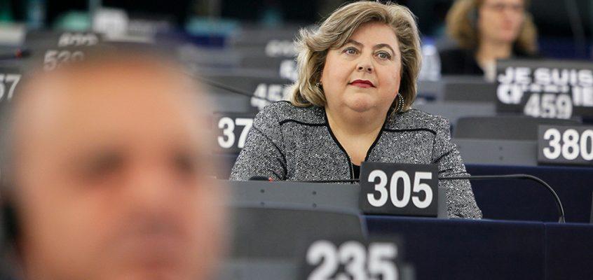 Clara Aguilera pregunta a la CE por la eficacia de los controles de cítricos importados de Sudáfrica que se hacen en Holanda