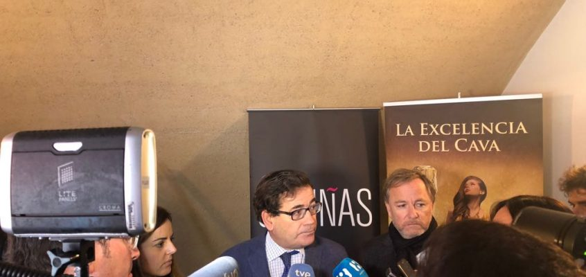 El sector cooperativo valenciano, satisfecho con las explicaciones de Cabanas sobre el conflicto del cava